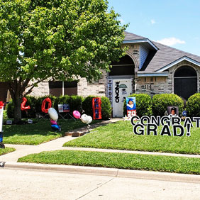 graduation yard letter signs